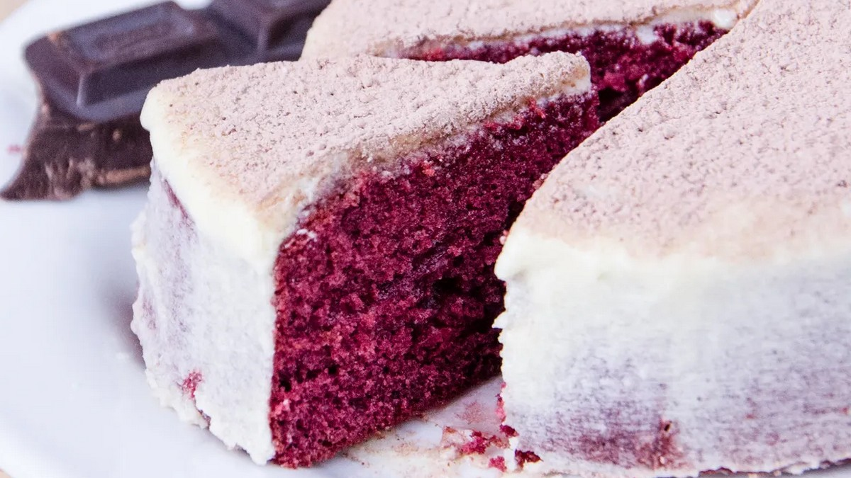 Android 11 has a secret dessert name and it is Red Velvet Cake